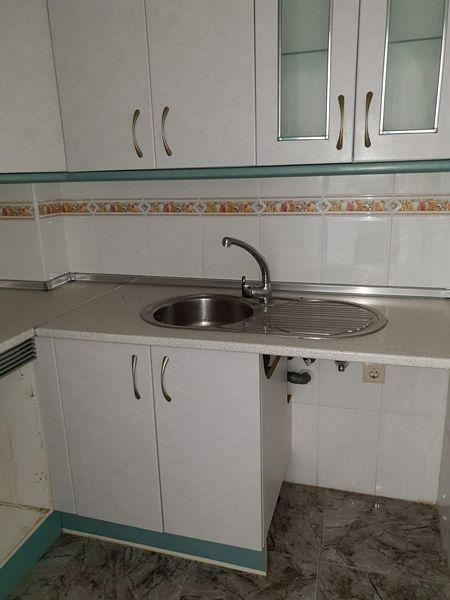 Piso en venta en Oliveros, Almería, Almería, Calle Piamonte, 75.000 €, 2 habitaciones, 1 baño, 67 m2
