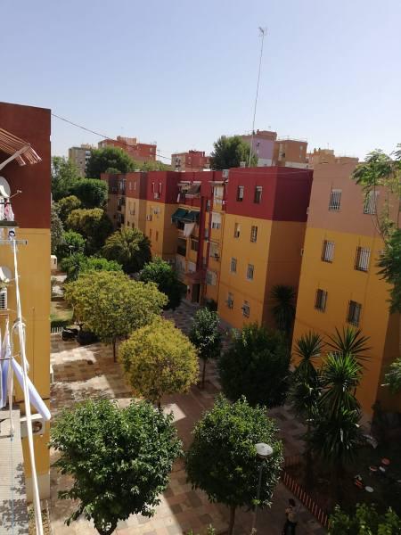 Piso en venta en Distrito Norte, Sevilla, Sevilla, Plaza Diputado Ramón Rueda, 81.000 €, 3 habitaciones, 1 baño, 80 m2
