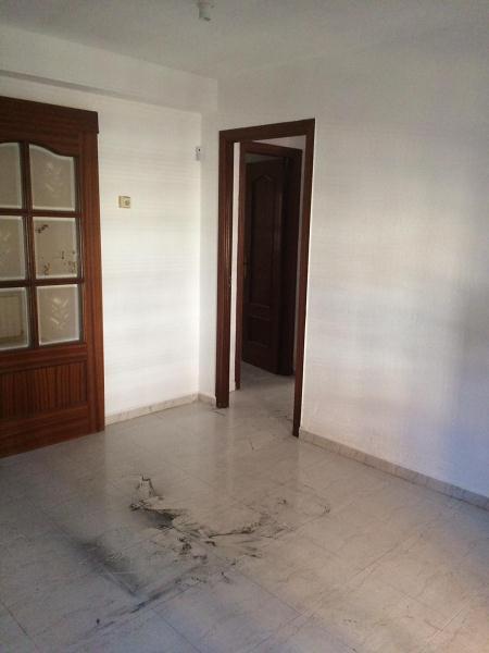 Piso en venta en Zarzaquemada, Leganés, Madrid, Calle San Valeriano, 107.000 €, 3 habitaciones, 1 baño, 67 m2