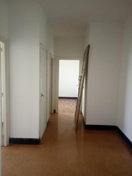 Piso en venta en Ferrol, A Coruña, Calle Rua 8, 32.000 €, 3 habitaciones, 1 baño, 88 m2