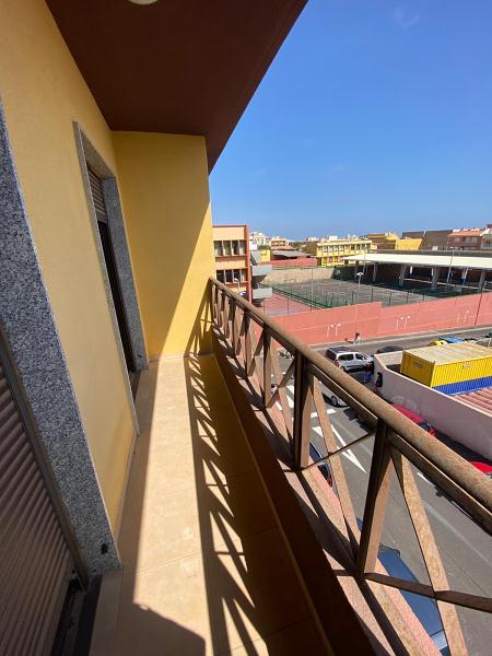 Piso en venta en El Salto, Granadilla de Abona, Santa Cruz de Tenerife, Calle José Ventura, 95.500 €, 2 habitaciones, 2 baños, 72 m2