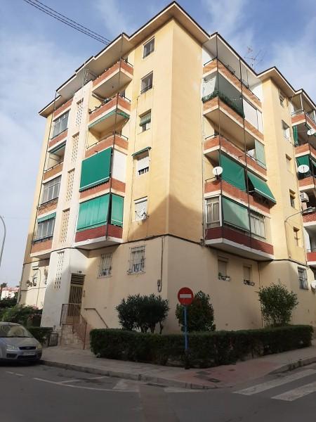 Piso en venta en Los Ángeles, Alicante/alacant, Alicante, Calle Sierra Montgo, 33.000 €, 2 habitaciones, 1 baño, 74 m2