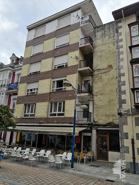 Piso en venta en Santoña, Cantabria, Calle Manzanedo, 117.000 €, 3 habitaciones, 2 baños, 132 m2