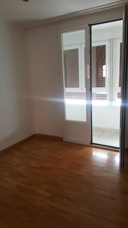 Piso en venta en Miranda de Ebro, Burgos, Calle Alfonso Vi, 41.000 €, 3 habitaciones, 1 baño, 80 m2