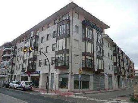Piso en venta en Barrio del Pradillo, Medina de Pomar, Burgos, Avenida Burgos, 80.300 €, 2 habitaciones, 2 baños, 94 m2