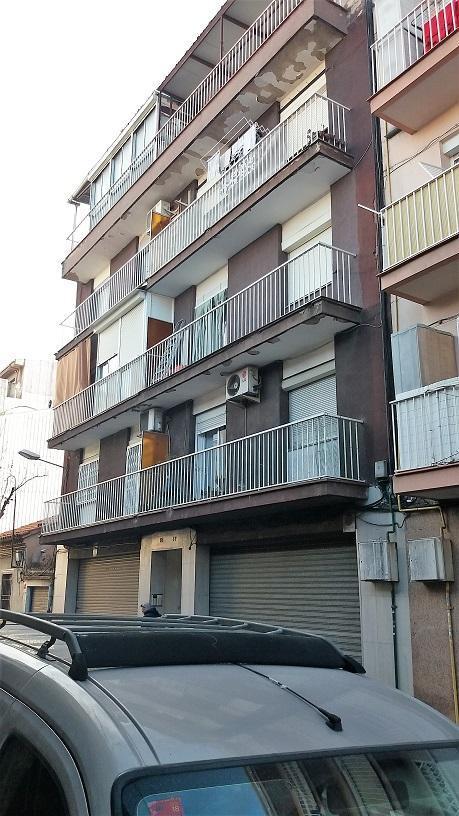 Piso en venta en La Llagosta, Barcelona, Calle de Sant Pau, 111.300 €, 3 habitaciones, 1 baño, 68 m2