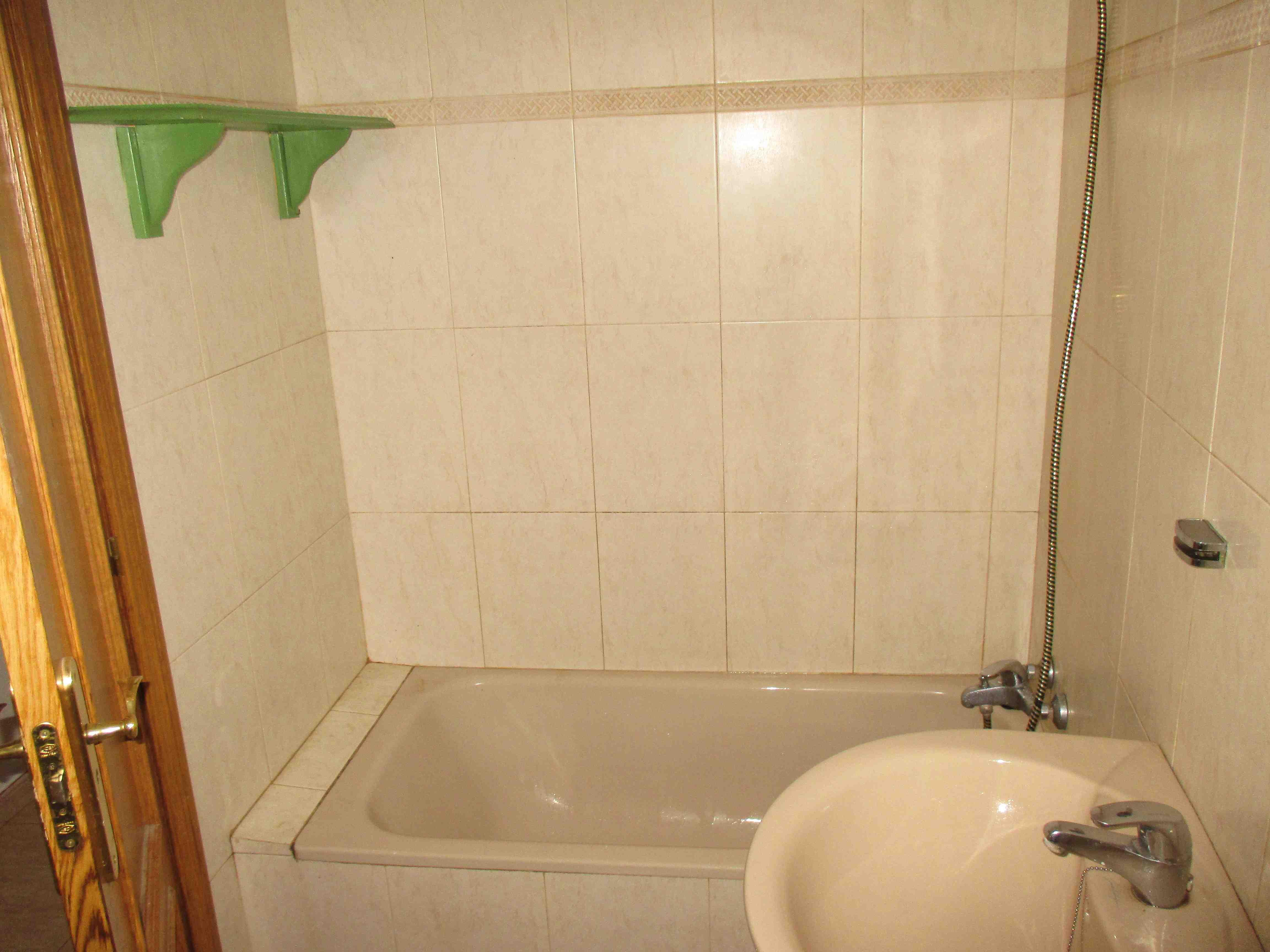 Piso en venta en Calatayud, Zaragoza, Calle Trinquete Bajo, 69.700 €, 3 habitaciones, 2 baños, 90 m2