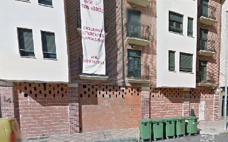 Local en venta en Valencia de Don Juan, León, Calle Carlos Pinilla, 173.900 €, 170 m2