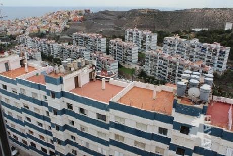 Piso en venta en Piso en la Palmas de Gran Canaria, Las Palmas, 49.000 €, 3 habitaciones, 1 baño, 69 m2