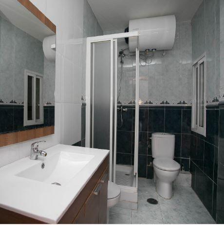 Piso en alquiler en Piso en Madrid, Madrid, 1.000 €, 4 habitaciones, 1 baño, 96 m2