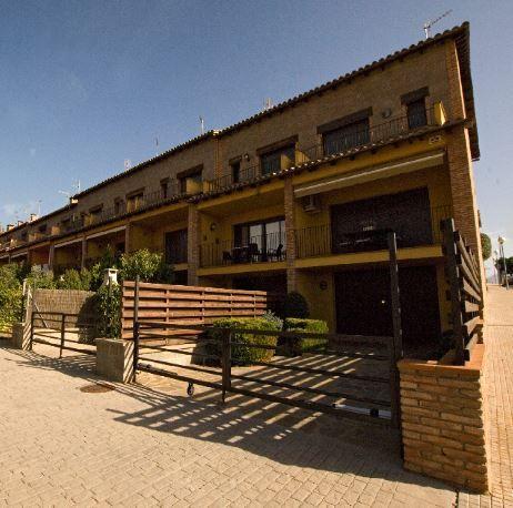 Casa en alquiler en Avià, Barcelona, Calle Serra Hunter, 750 €, 3 habitaciones, 2 baños, 202 m2