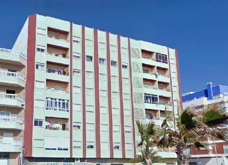 Piso en venta en Adra, Almería, Calle Fábricas, 65.000 €, 3 habitaciones, 1 baño, 119 m2