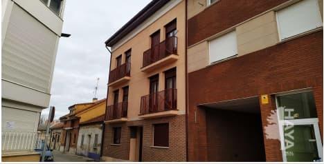 Piso en venta en Santovenia de Pisuerga, Santovenia de Pisuerga, Valladolid, Calle Rio, 68.000 €, 1 habitación, 1 baño, 64 m2