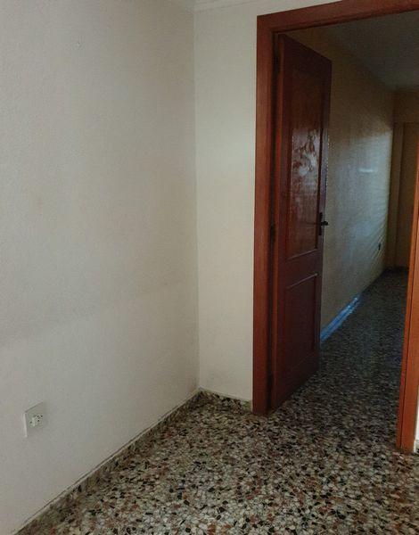 Piso en venta en Gandia, Valencia, Avenida Republica Argentina, 80.000 €, 4 habitaciones, 2 baños, 134 m2