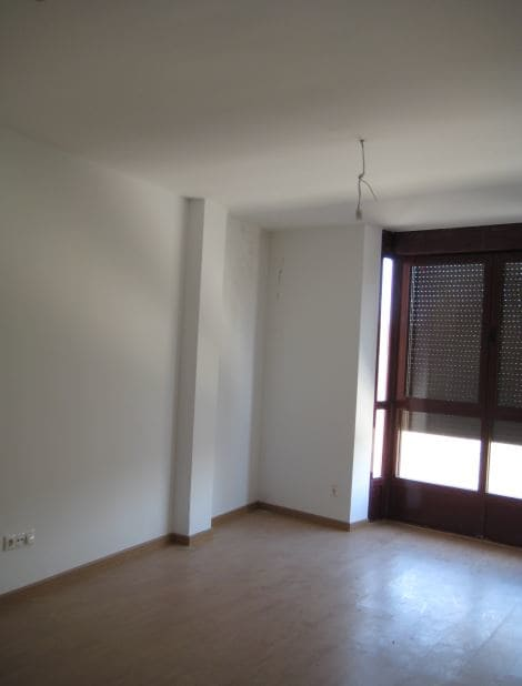 Piso en venta en Mojados, Valladolid, Calle Emperador Carlos I, 70.300 €, 2 habitaciones, 1 baño, 81 m2