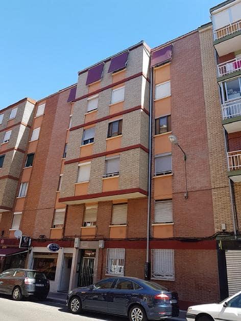 Piso en venta en Valladolid, Valladolid, Calle Linares, 62.305 €, 3 habitaciones, 1 baño, 76 m2
