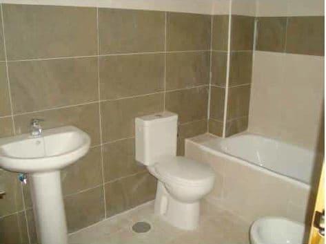 Piso en venta en Piso en Albox, Almería, 63.500 €, 2 habitaciones, 2 baños, 87 m2