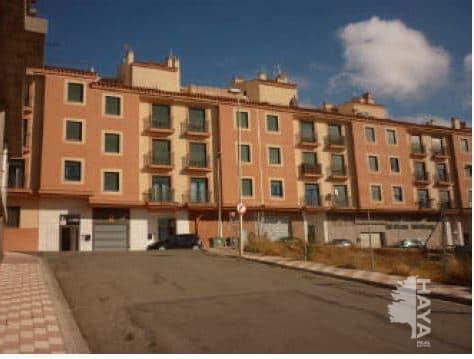 Piso en venta en Chinchilla de Monte-aragón, Albacete, Plaza Santa Elena, 43.890 €, 2 habitaciones, 1 baño, 77 m2