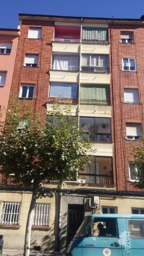 Piso en venta en Eras de Renueva, León, León, Avenida Mariano Andres, 39.000 €, 2 habitaciones, 1 baño, 55 m2