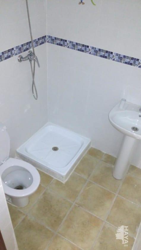 Piso en venta en Las Pajanosas, Guillena, Sevilla, Calle Concepcion Soto, 61.000 €, 3 habitaciones, 2 baños, 182 m2