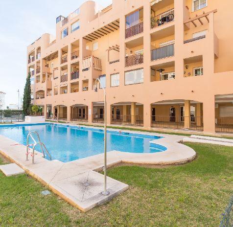 Piso en alquiler en Fuengirola, Málaga, Calle la Viñas, 685 €, 2 habitaciones, 2 baños, 95 m2