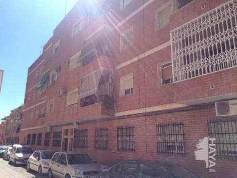 Piso en venta en El Palomar, Puente Genil, Córdoba, Calle Ingeniero Guillermo Briz, 39.600 €, 3 habitaciones, 1 baño, 84 m2