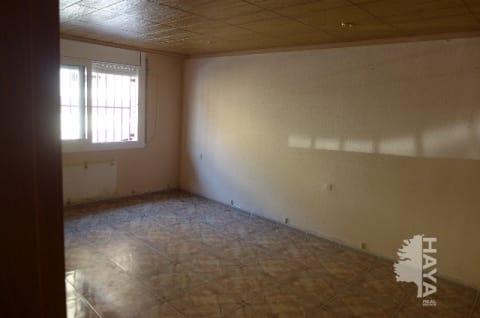 Piso en venta en Terrassa, Barcelona, Calle Frederic Mistral, 76.723 €, 4 habitaciones, 2 baños, 90 m2