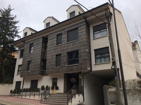 Piso en venta en Las Navas del Marqués, Ávila, Calle Garcia del Real, 78.000 €, 3 habitaciones, 2 baños, 95 m2