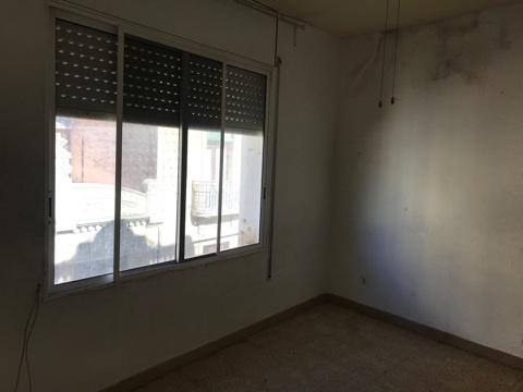 Piso en venta en Piso en Reus, Tarragona, 44.100 €, 3 habitaciones, 1 baño, 69 m2