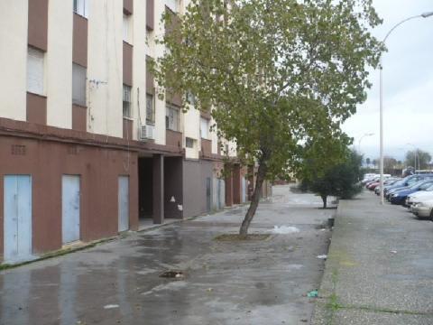 Piso en venta en La Línea de la Concepción, Cádiz, Calle Virgen Purísima Concepción, 62.669 €, 3 habitaciones, 1 baño, 87 m2