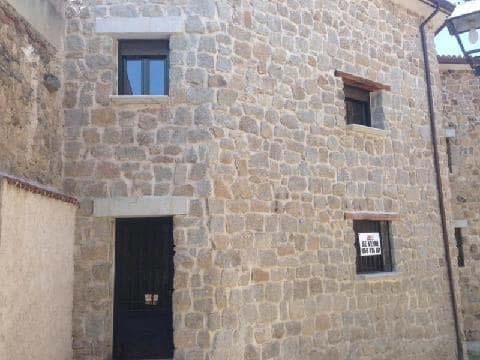 Casa en venta en Burgohondo, Ávila, Calle Unamuno, 66.994 €, 1 habitación, 2 baños, 156 m2