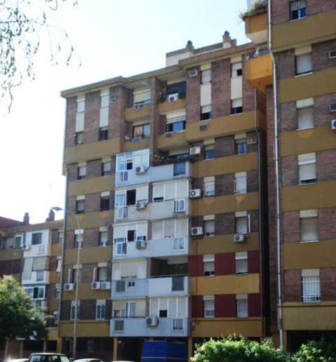 Piso en venta en Distrito Sur, Sevilla, Sevilla, Calle Victoria Dominguez Cerrato, 47.000 €, 3 habitaciones, 2 baños, 94 m2