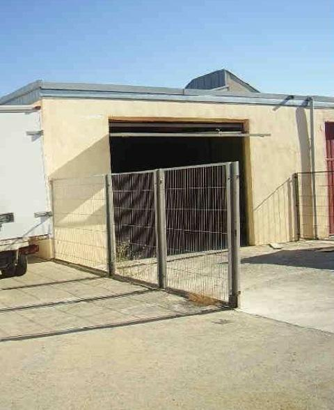 Industrial en venta en Los Cortijos, Sevilla la Nueva, Madrid, Calle del Rey, 175.800 €, 278 m2