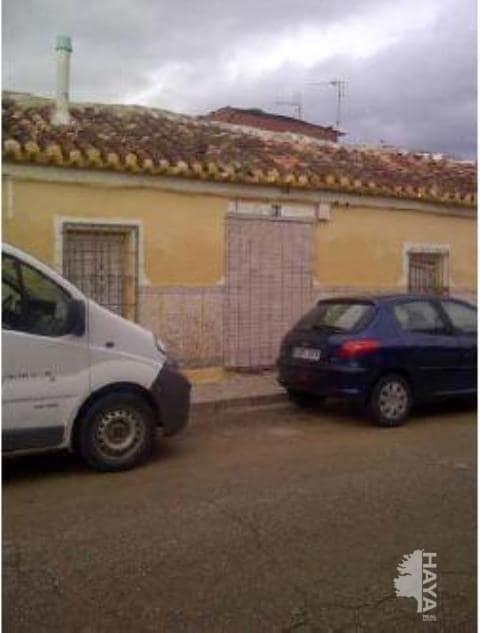 Casa en venta en Tomelloso, Ciudad Real, Calle Matadero, 34.000 €, 3 habitaciones, 2 baños, 140 m2