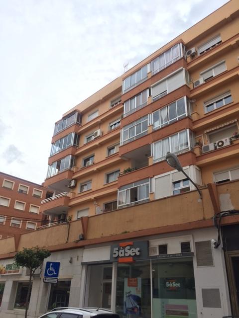 Piso en venta en Dénia, Alicante, Calle Patricio Ferrandiz, 80.000 €, 4 habitaciones, 1 baño, 90 m2