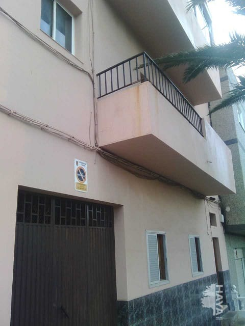 Piso en venta en San Cristobal de la Laguna, Santa Cruz de Tenerife, Calle Cl Santo Tomas de Aquino 28,, 73.004 €, 3 habitaciones, 1 baño, 123 m2