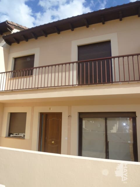 Casa en venta en La Adrada, Ávila, Calle Machacalinos, 148.000 €, 3 habitaciones, 2 baños, 173 m2
