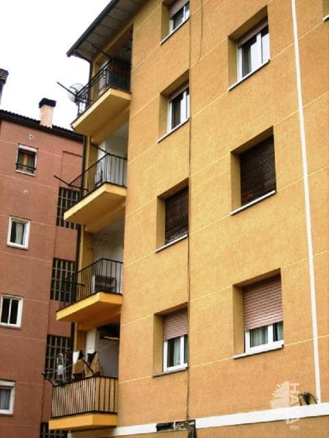 Piso en venta en Mas de Pei, Guardiola de Berguedà, Barcelona, Calle Bastareny Grup A, 55.700 €, 3 habitaciones, 1 baño, 70 m2