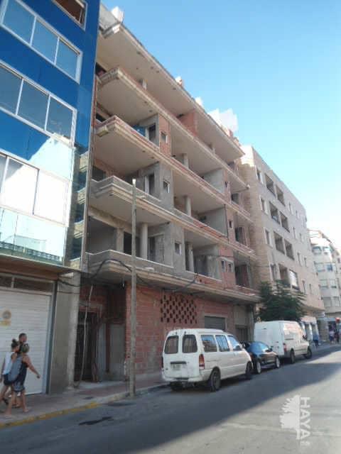 Piso en venta en Urbanización Calas Blancas, Torrevieja, Alicante, Calle Campoamor, 75.800 €, 1 baño, 141 m2