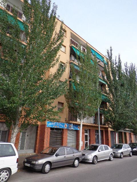 Piso en venta en Can Gibert del Pla, Girona, Girona, Calle Riu Guell, 75.000 €, 2 habitaciones, 1 baño, 88 m2