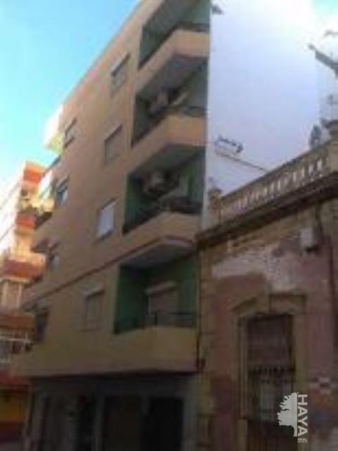 Piso en venta en Almedina, Almería, Almería, Calle Reina (de La), 63.500 €, 3 habitaciones, 1 baño, 85 m2