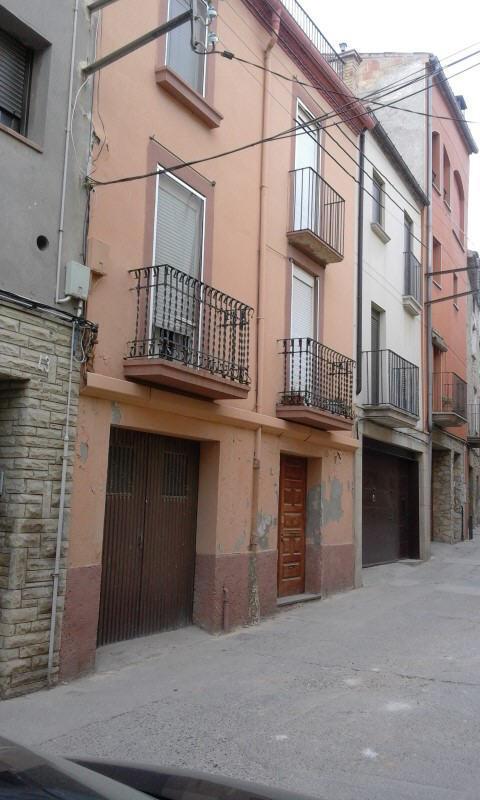Casa en venta en Cervera, Lleida, Calle Nou, 76.100 €, 4 habitaciones, 2 baños, 405 m2