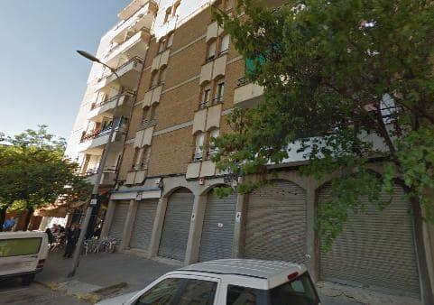 Piso en venta en Salt, Girona, Pasaje Elisenda de Montcada, 69.549 €, 4 habitaciones, 1 baño, 98 m2