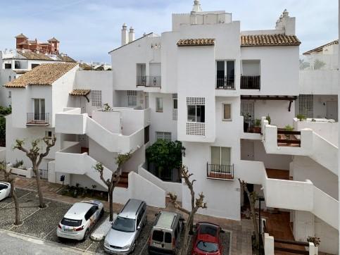Piso en venta en Sabinillas, Manilva, Málaga, Urbanización Fuente de la Duquesa, 123.470 €, 3 habitaciones, 1 baño, 98 m2
