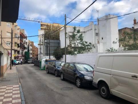 Suelo en venta en La Línea de la Concepción, Cádiz, Calle Sol, 246.000 €, 322 m2