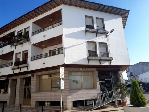 Piso en venta en Arroyo de San Serván, Arroyo de San Serván, Badajoz, Calle Garcia Lorca, 72.500 €, 4 habitaciones, 2 baños, 147 m2