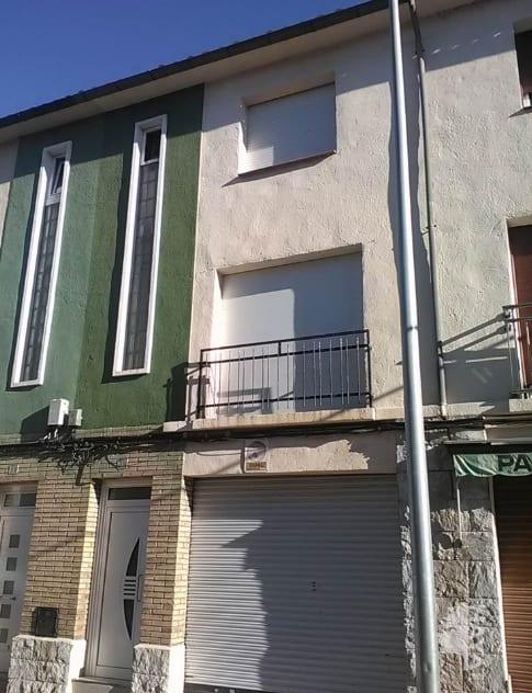 Casa en venta en Mas Nou, Manlleu, Barcelona, Calle Doctor Fleming, 130.500 €, 4 habitaciones, 1 baño, 75 m2