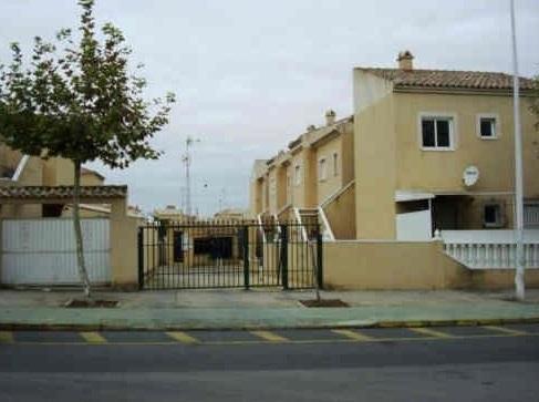 Piso en venta en Torrevieja, Alicante, Calle Delfina Viudes, 69.000 €, 2 habitaciones, 1 baño, 53 m2