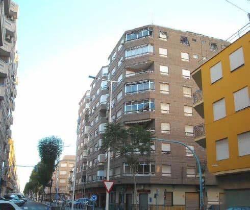 Piso en venta en Novelda, Alicante, Avenida de la Constitución, 78.500 €, 3 habitaciones, 1 baño, 115 m2