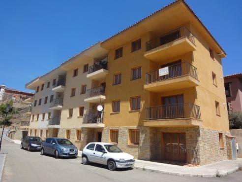 Piso en venta en Arcos de la Salinas, Teruel, Lugar Arrabal, 27.577 €, 2 habitaciones, 1 baño, 78 m2